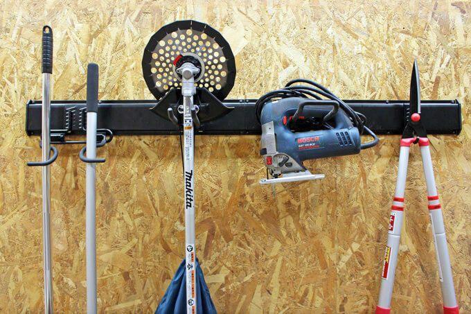 ワイルドレールフック 男前インテリアにも ガレージ 倉庫 にも ショップの商品ディスプレイにも 重宝しそうです ロードバイク 自転車 やサーフボード スノーボード スキー板 釣り竿 などの趣味の道具の収納 ディスプレイにも いかがですか 収納