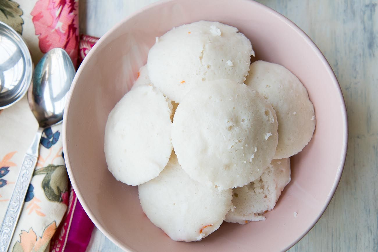 Homemade Soft Idli Recipe (Steamed Rice and Lentil Cake)   Recipe ...