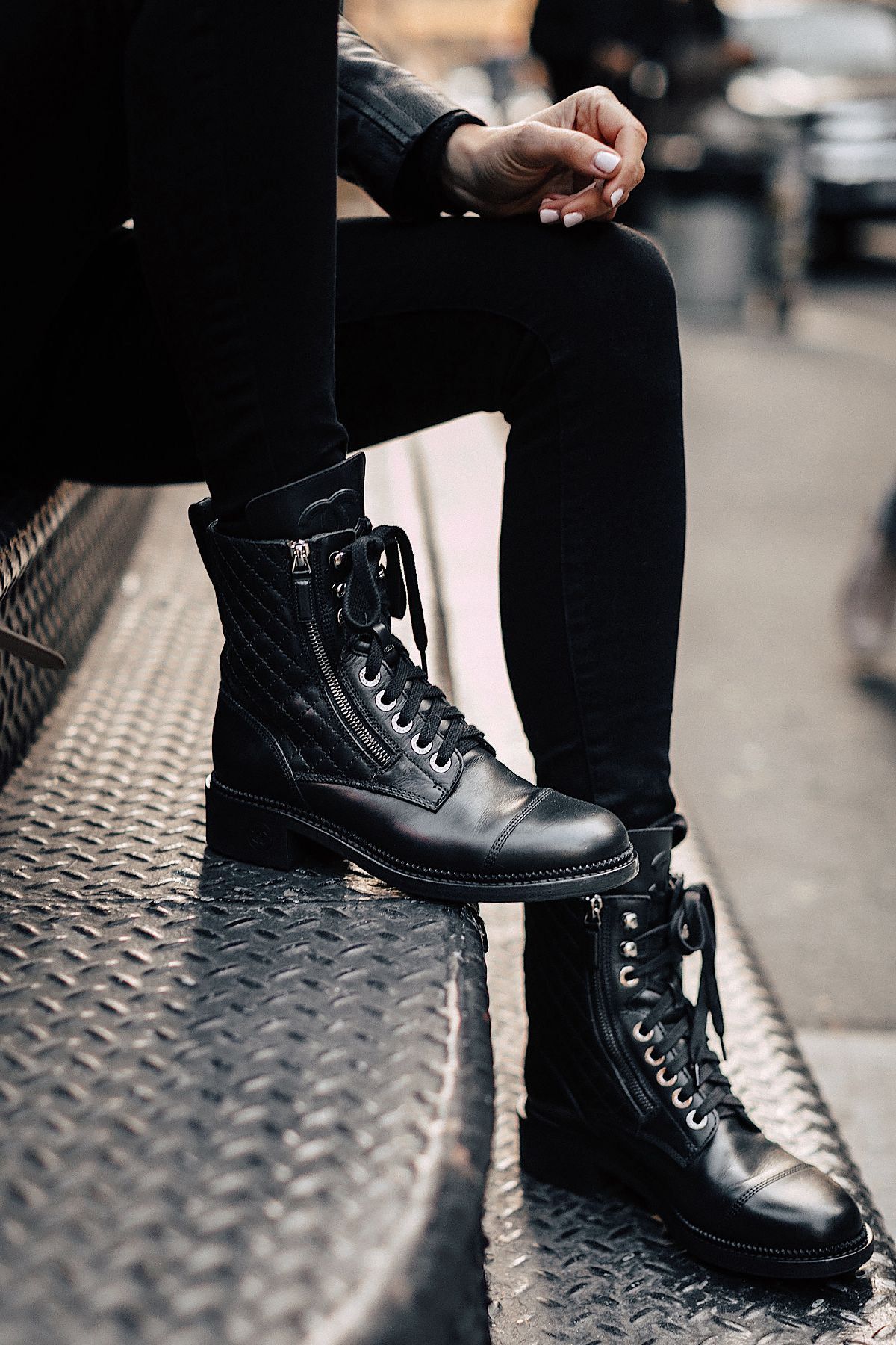 Combat boots outfit winter