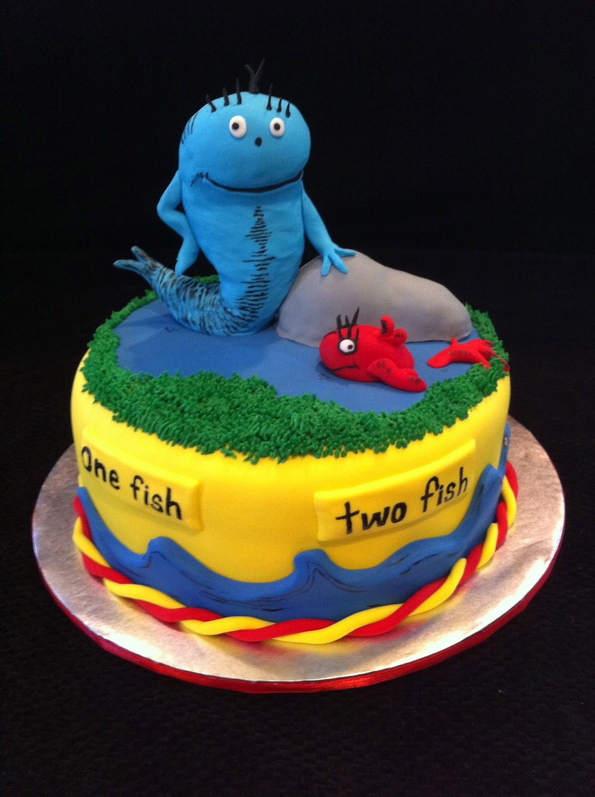 fish birthday treats One Fish Two Fish Red Fish Blue Fish Cake