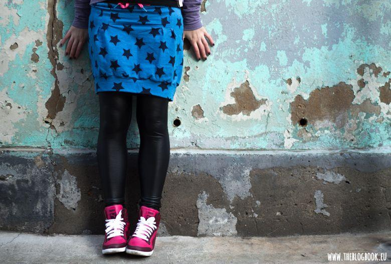 theblogbook | sewing | shirt, denim skirt, high sneakers, beanie