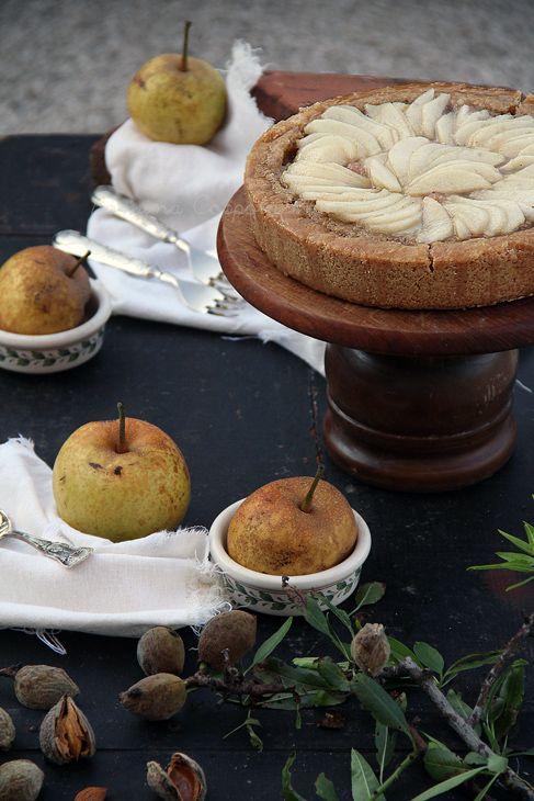 Crostata con crema di mandorle e pere. http://sugarlessblog.blogspot.it/