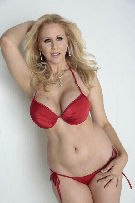 Ann naked Julia body