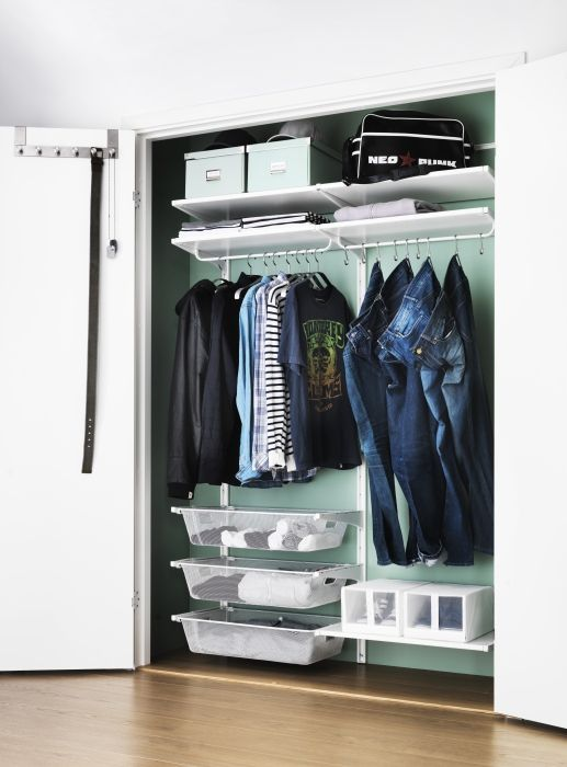 New Year's Resolution: Get Organized! Give Your Closet A