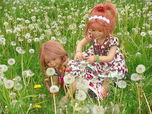 Frühling 2014 ... mit Pusteblumen ... by Kindergartenkinder, via Flickr
