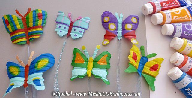Papillons peintures acrylique sur bouteilles plastiques for Peindre sur plastique