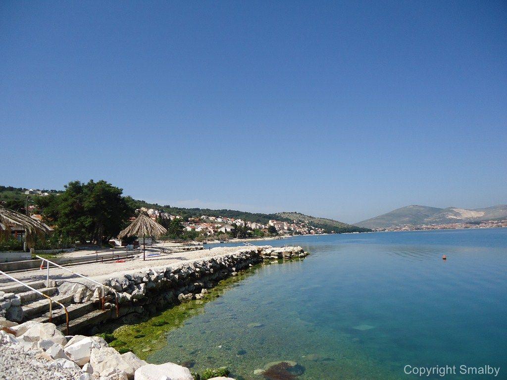Alle, die während des Urlaubs am Strand liegen, sie Sonne und das kristallklare Meer genießen möchten, ist Ciovo der ideale Ort.