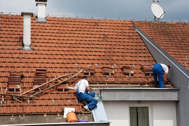 Is Your Roof Leaking Know The Ways To Leakrepair Roof Restoration Roof Installation Roofing Systems