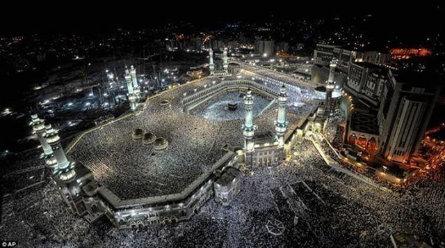 السعودية هي أولى الوجهات السياحية في الشهل الفضيل وهي الأكثر تفضيلا للكثير من العائلات بفضل الأجواء الإيمانية وحسن الضيافة السع Mecca Makkah Beautiful Mosques