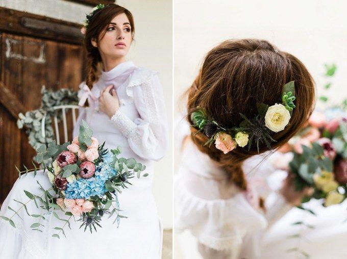 Simple bridal braid with flowers in her hair | Free Soul Boho Wedding Inspiration via @bohowedandlife, pics by Lisa Digiglio