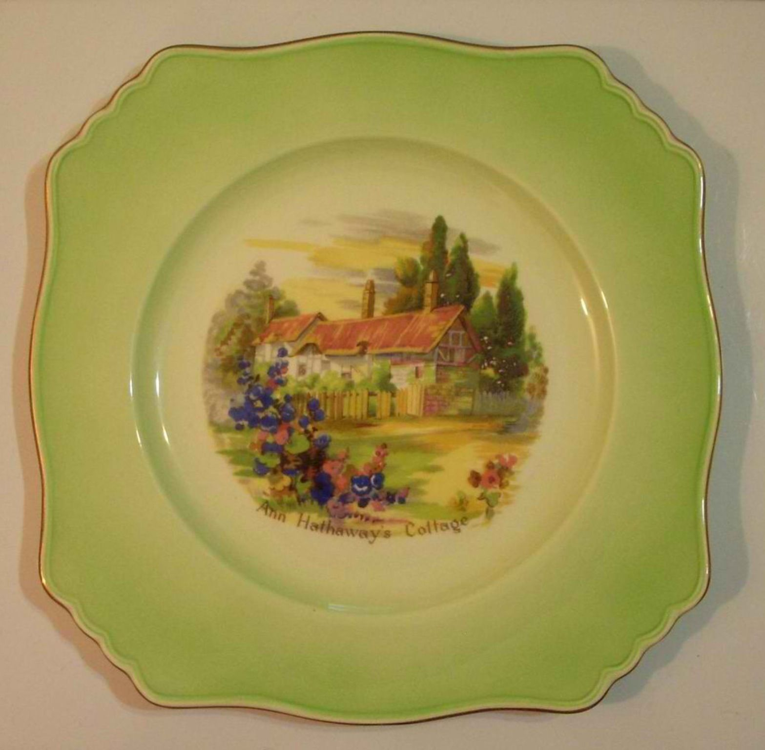 Vintage green plate with Anne Hathaway cottage, by Royal Winton ...