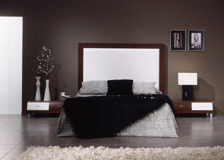 Dormitorio elegante de color plomo y negro predominan los for Dormitorio oscuro decoracion