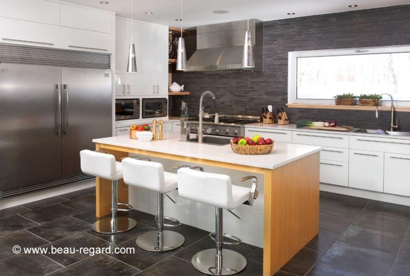 armoire thermoplastique bois plaqu et comptoir de cuisine en quartz home pinterest father. Black Bedroom Furniture Sets. Home Design Ideas