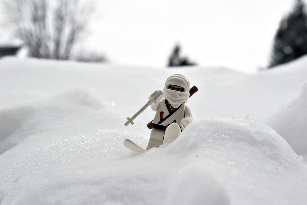 Wit Ninja pak in de sneeuw | Sneeuw, Ninja, Pak