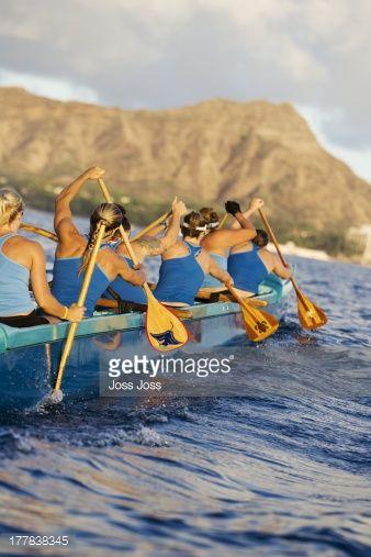 Stock Photo : Hawaii, Oahu, female outrigger canoe team paddling towards Diamond Head. | Va'a in ...