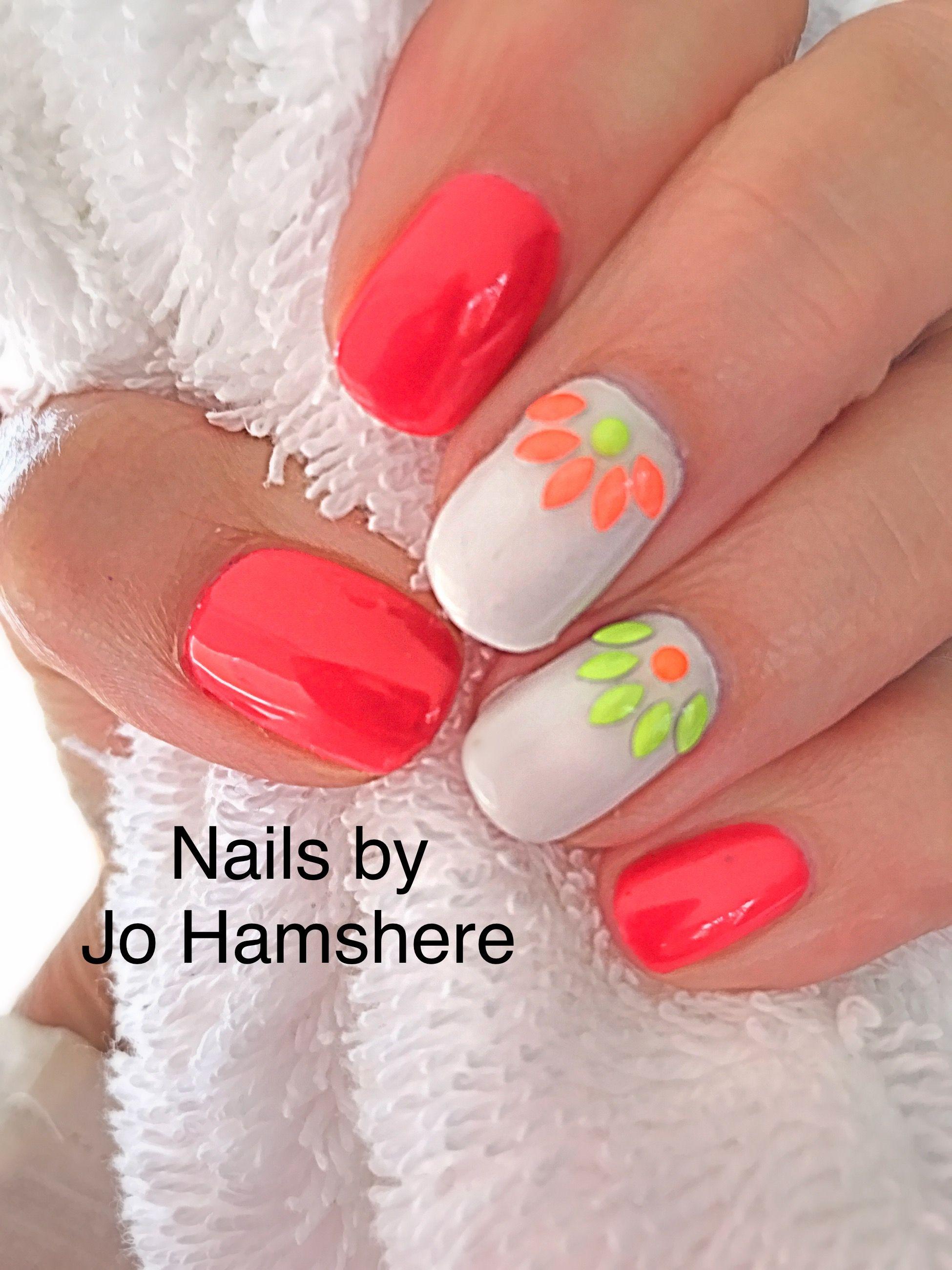 Summer Nail Design In Cnd Shellac Shellac Nail Art Shellac Nail Designs Cnd Shellac Nails