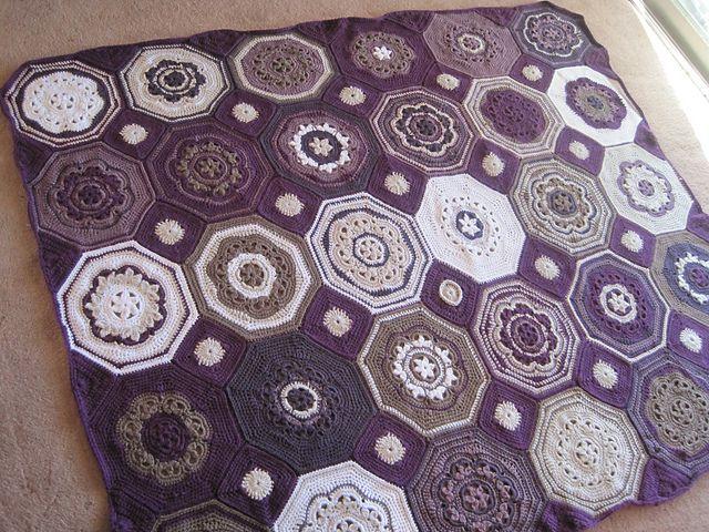 Moorish Mosaic Afghan pattern by Lisa Naskrent | Tapetes de crochet ...