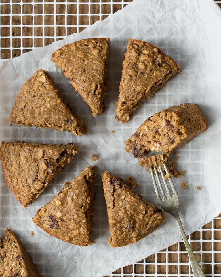 Rustic Chocolate Chip Banana Oat Cake With Pb Banana Glaze By Oh She Glows Vegan And Gluten Free Oat Cakes Banana Chocolate Chip Healthy Peanut Butter