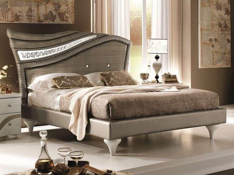Arredare una camera da letto in stile liberty - Letto rivestito in ...