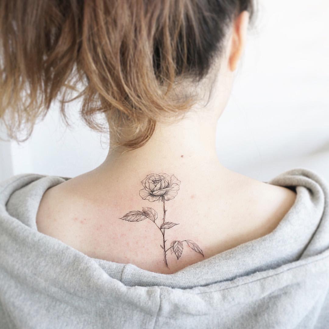 #tattoo#tattooart#flowertattoo#linetattoo#tattooing#tattoos#tattooartist#rosetattoo#backtattoo#blackwork#타투#여자타투#꽃타투#장미타투#목타투#등타투#라인타투#타투이스트꽃#tattooistflower  rose
