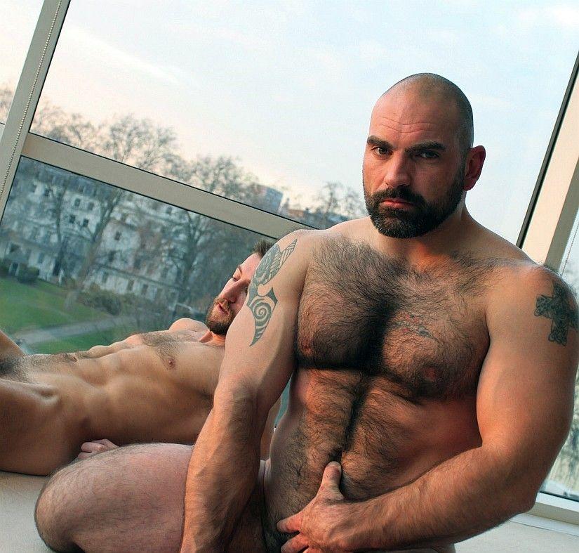 Hommes nus chauds gais
