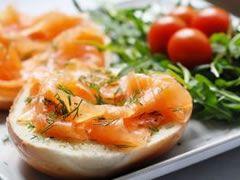 Ideal para Casamento informal, o Brunch é uma mistura de almoço e café da manhã, servido entre as 10h e 11:30h, é um