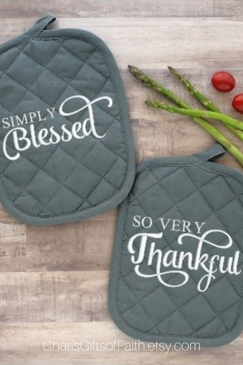 Need an affordable housewarming or hostess gift? This gray pot holder set embroidered with Simply Blessed and So Very Thankful is sure to please. They come cello wrapped and tied with a tulle bow. Give alone or add them to a basket with some fun kitchen gadgets. Click through to view at