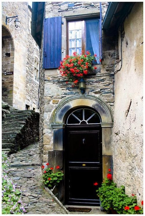 Arched entry in Provence, France