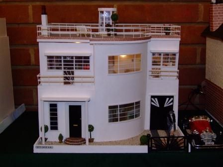 1930s Art Deco Dolls House. Did A Seach For Art Deco Miniatures. Really  Neat.
