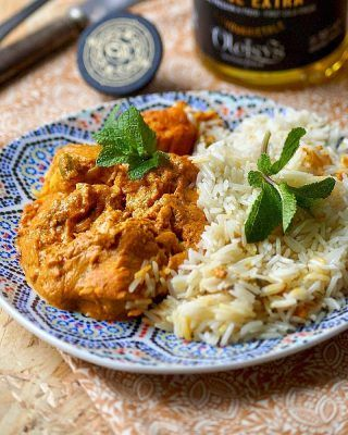 Photo of Chicken tagine with onions and raisins · With delicious …