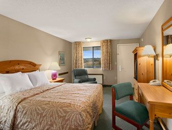 Standard Queen Bed Room at the Days Inn Auburn in Auburn, Washington