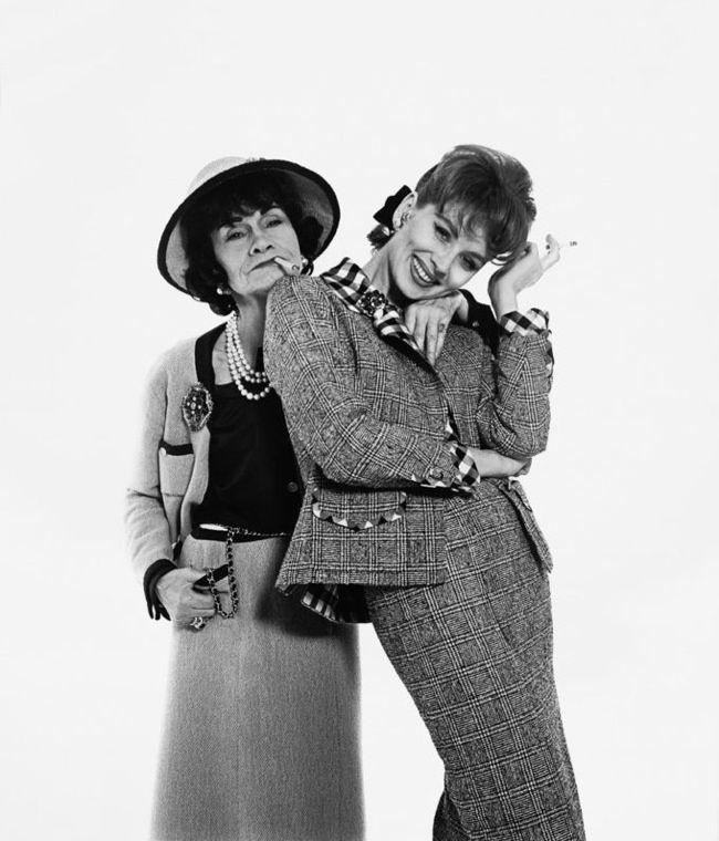 534b6b38fadc Bazaar Spain Tributes Richard Avedon with Audrey Hepburn