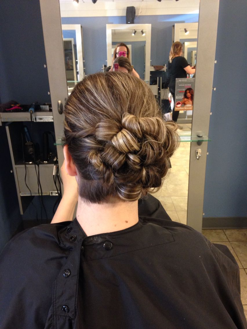Selection series inspired hairstyle from the cover of the