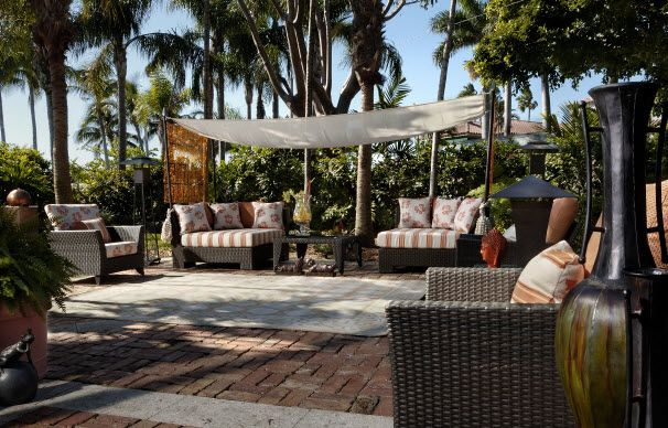 pool house outdoor patio design