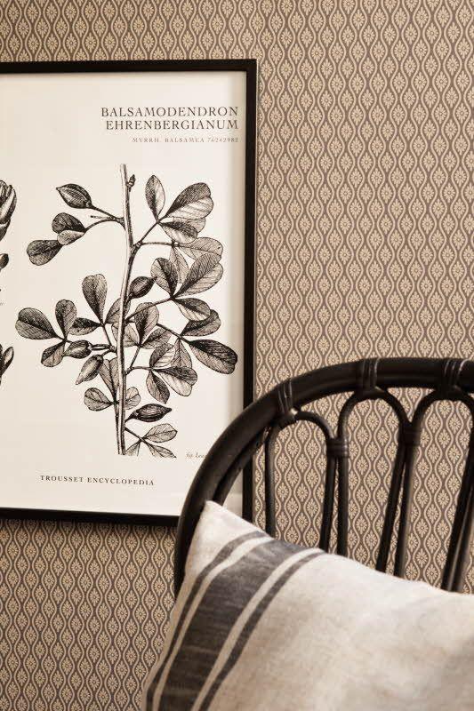 Borås Tapeterin Vintage -malliston tapetti, 7 värivaihtoehtoa vaaleista tummiin. Värisilmä, http://kauppa.varisilma.fi/seinanpaallysteet/nonwoven-tapetit/vintage/