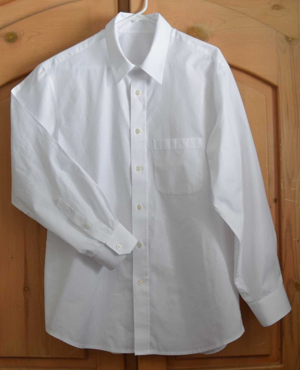I finally finished my husband's white shirt that was supposed to have been a Christmas present. I procrastinated on working on this shirt for months, since I was terrified of staining that wh…