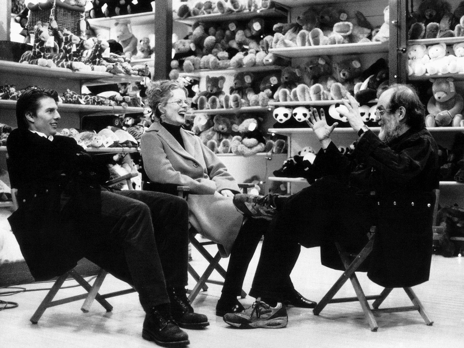 Eyes Wide Shut': Sleep walking. [thanks to Will... • wlmager | Eyes wide  shut, Stanley kubrick, Kubrick