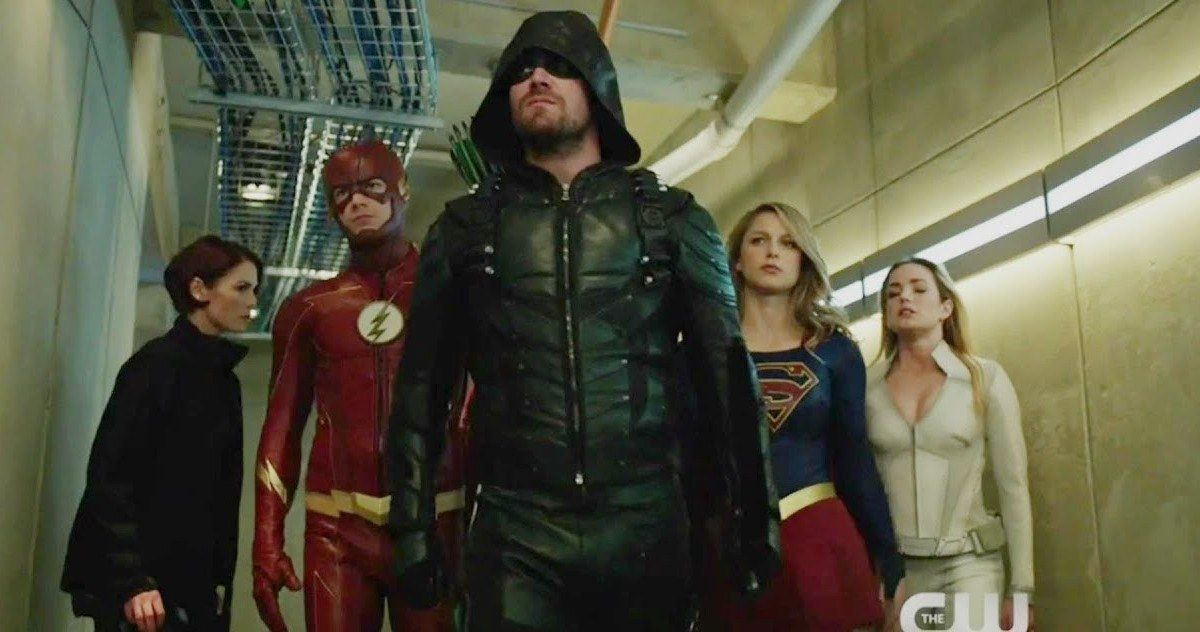 Crisis On Earth X Trailer The Arrowverse Reunites In New Cw