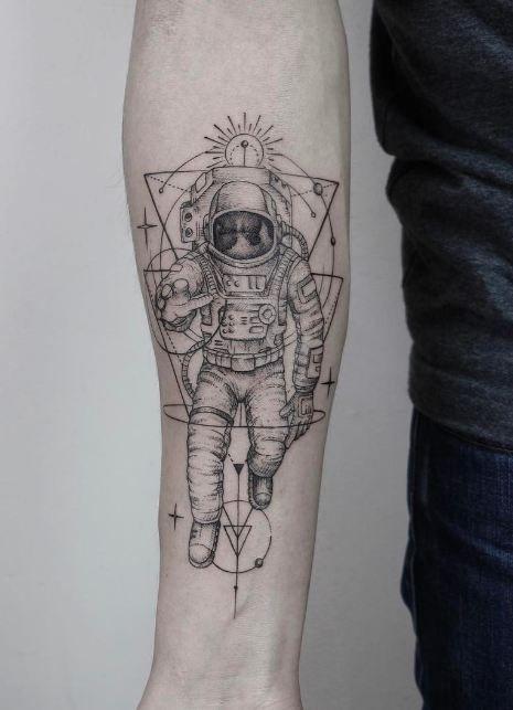 stunning astronaut tattoo astronaut tattoo astronauts and tattoo. Black Bedroom Furniture Sets. Home Design Ideas