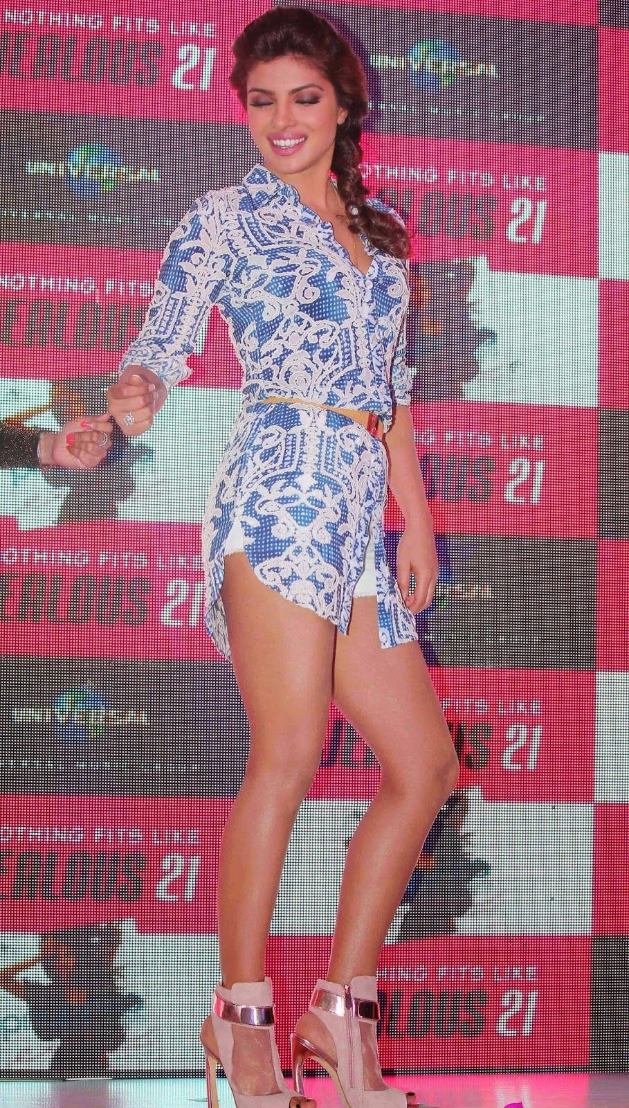 Priyanka Chopra Showcasing Her Super Sexy Legs At International Hit 'Exotic' Success Celebrations In Mumbai ★ Desipixer  ★