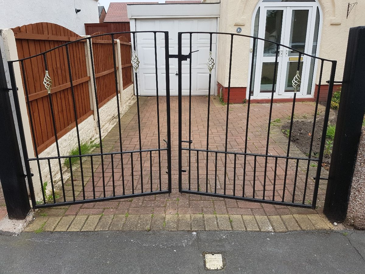 Small Wrought Iron Fence Di 2020