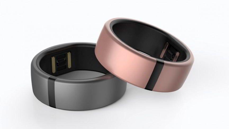 Die Ringe aus Titan sehen nicht nur schlicht und schön aus, sondern sind gleichzeitig Fitness-Tracker mit Bluetooth-Verbindung.