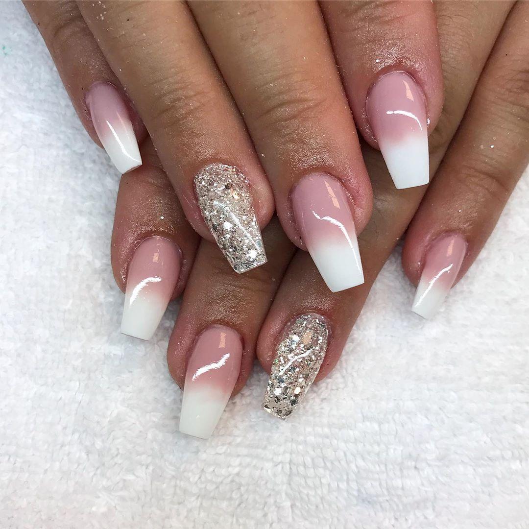 glitter på naglar