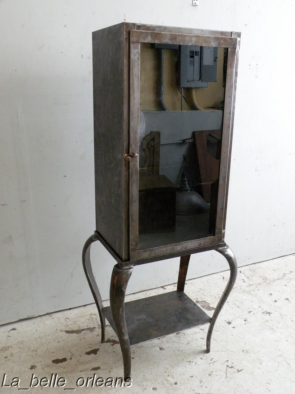 A Stunning And Super Cool Vintage Steel Dentist Doctors Cabinet Great To Use As Small Showcase Or For Your Bathroom Place Towels Soap Etc
