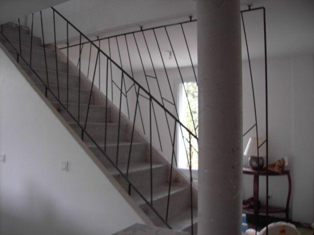 Rampe d 39 escalier et claustrat en fer rond lisse http www for Peindre du fer rouille