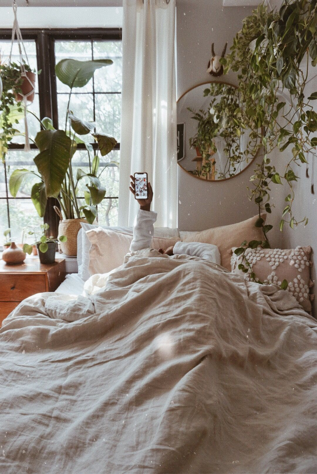 Neutral Bedroom Ideas With Plants