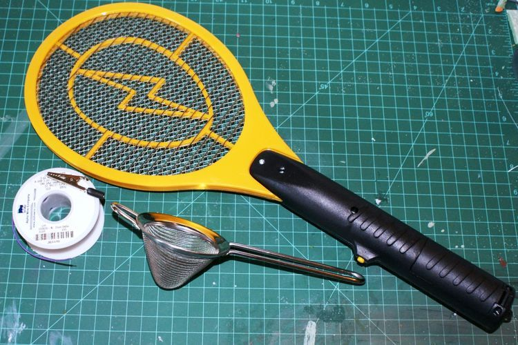 Static Grass Applicator With An Electric Fly Swatter Part 1 Youtube