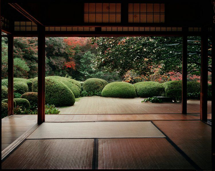 Japanese garden and meditation room complete with tatami for Japanese meditation garden design