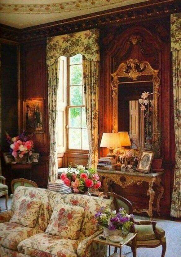 Victorian House Interiors, Victorian Home Decor, Victorian Rooms, Victorian  Cottage, Victorian Design
