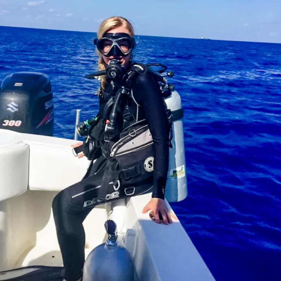 I Ve Always Wanted To Scuba Dive At Night For Some Reason It S Not As Common Practice As Daytime Diving It S Certainly Not A In 2020 Diving Scuba Diving Diving Gear